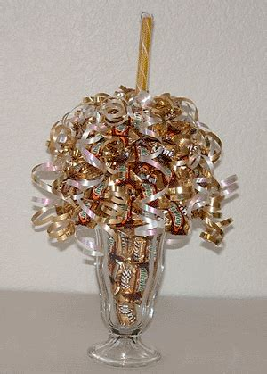 how to do a christmas candy sunday centerpiece learn how to make bouquets bouquet designs books start bouquet and gift