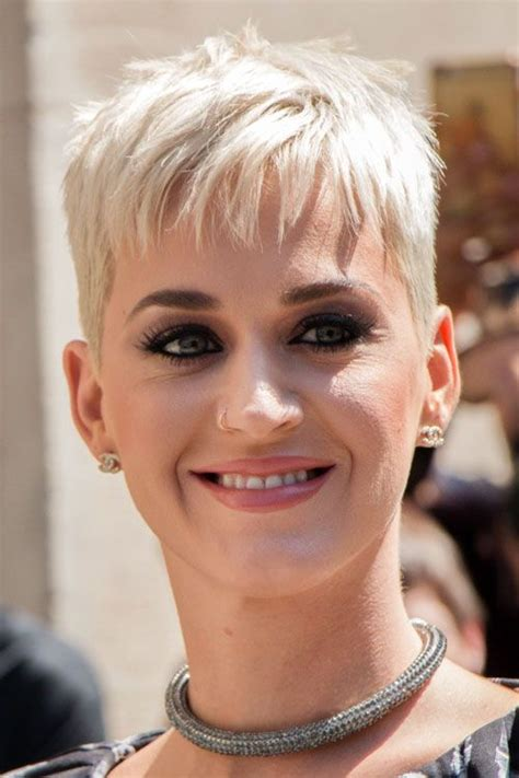 blonde that just got her hair cut katy perry straight platinum blonde pixie cut hairstyle