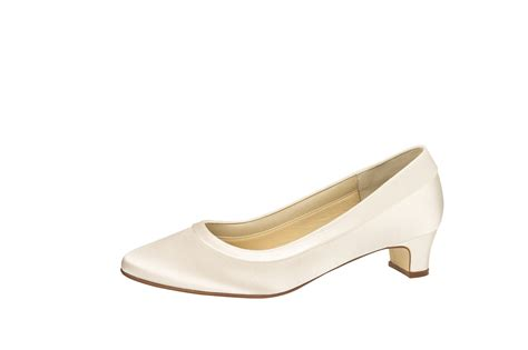 Schuhe In Farbe Ivory by Brautschuh Quot Brenda Quot Satin Ivory