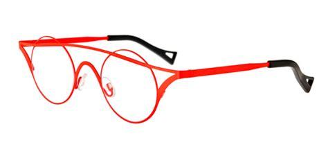 theo glasses designer