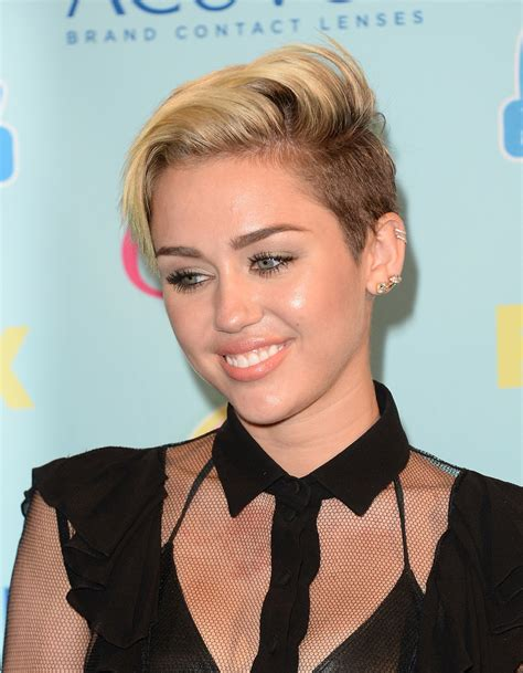 top 9 miley cyrus hairstyles styles at life miley cyrus fauxhawk miley cyrus short hairstyles