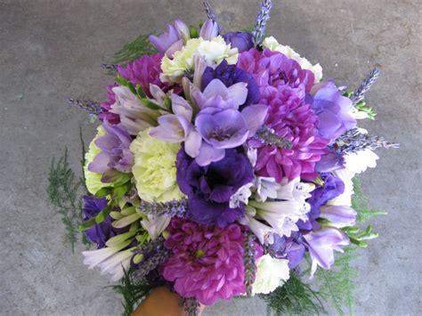 wedding flowers purple purple bridal bouquet stadium flowers