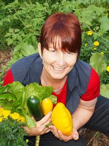 About Annette Mcfarlane Organic Vegetable Gardening Mcfarlane
