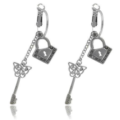 cadenas et clé en anglais boucles d oreilles cl 233 femme cadenas m 233 tal argent 233