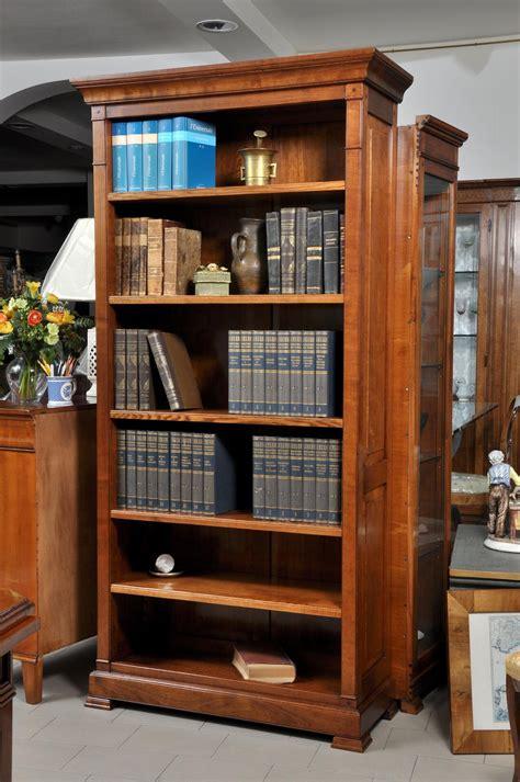 libreria ciliegio libreria un vano a giorno realizzata nello stile