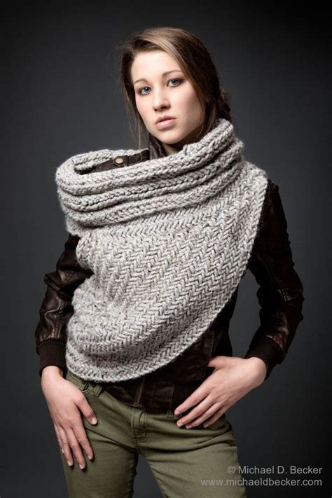 pattern for hunger games sweater katniss cowl pattern by kysaa hunger games catching fire
