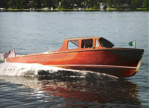 hutchinson boat builders poetica a fitzgerald lee classic sedan gt thousand