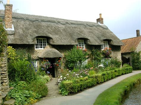 thatched cottage thatched cottage by bluetracker on deviantart