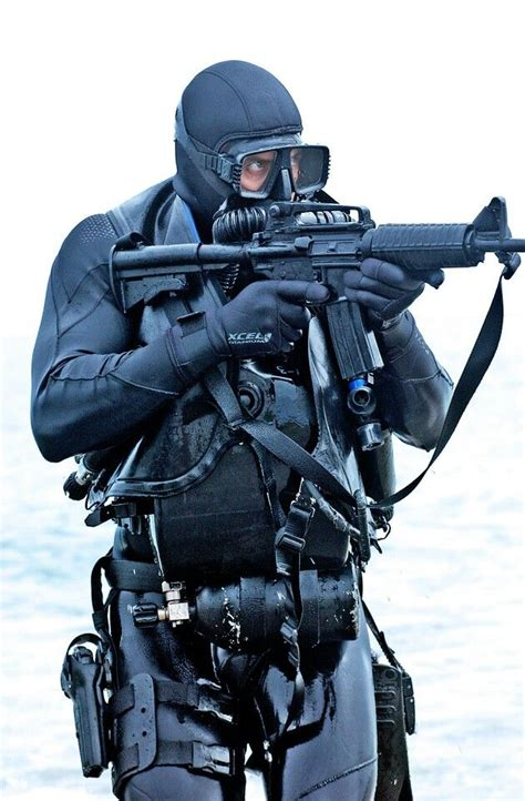 navy seal dive gear 25 best ideas about navy seal equipment on