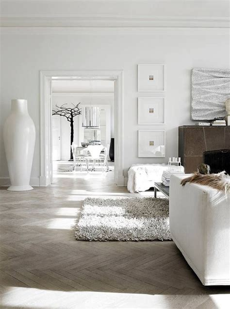 white interior homes visgraat vloer
