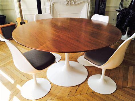 table knoll tulipe prix table tulipe saarinen de knoll en noyer l atelier 50
