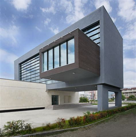 contemporary architecture design san paolo bank parasite studio baltasarh archdaily