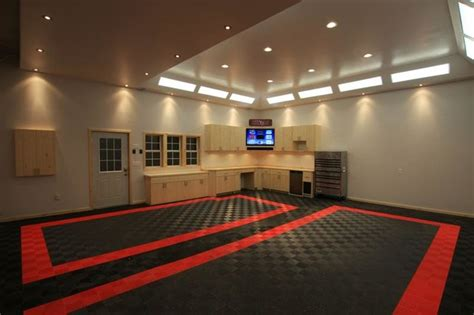 Cave Garage Floor Ideas by Awesome Home Garage Remodel With Racedeck Garage Flooring