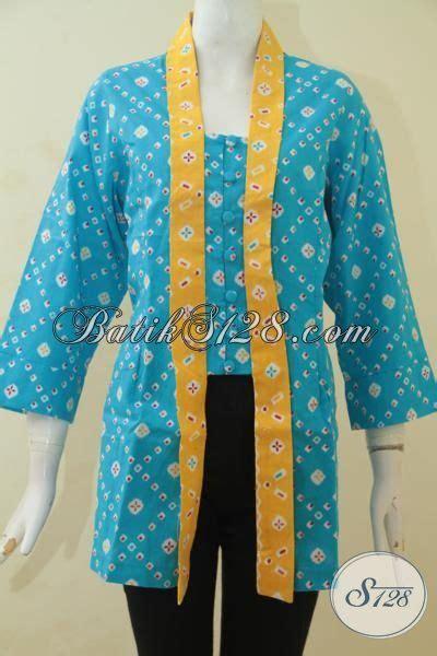 Blouse Batik Klasik Bisa Busui blus batik modern desain klasik berpadu warna biru dengan aksen kuning baju batik printing