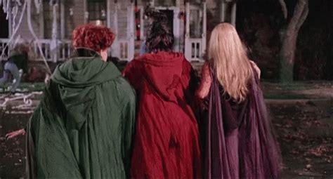 hocus pocus gif hocuspocus discover & share gifs