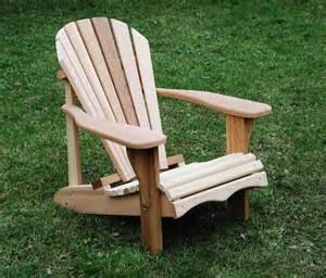 chaise adirondack ch 234 tre ergonomique en bois de c 232 dre