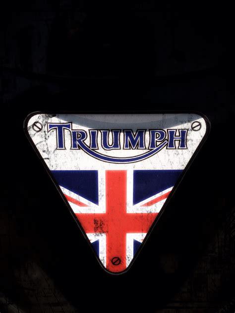 Triumph Motorrad Logo by Triumph Logo Motostories Logos Triumph
