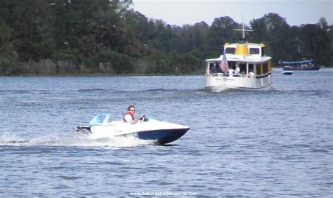 mini boat rental disney world boating at disney world build a better mouse trip