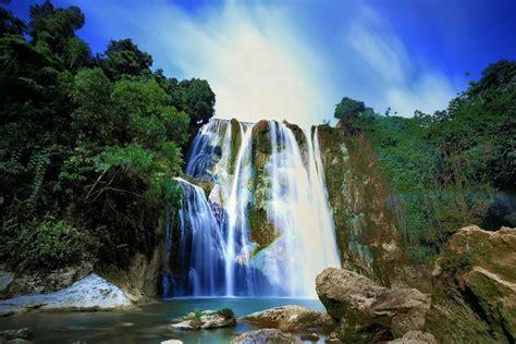 foto foto air terjun wisata tercantik   indonesia