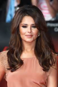 hairstyles that add volume at the crown cheryl cole long curls cheryl cole hair looks stylebistro