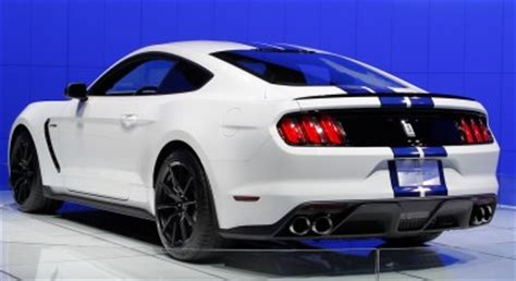 2017 ford mustang shelby gt500 price 2017 ford mustang shelby gt500 snake review specs