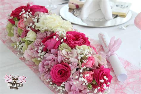 Tischschmuck Hochzeit by Tischschmuck Blumen Wildbrett Weiden