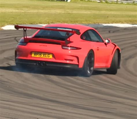 Porsche Gt3 Turbo by Porsche 911 Gt3 Rs Vs Porsche 911 Turbo S Dpccars
