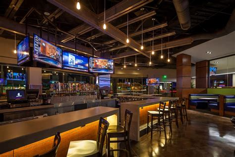 Yard House Nyc by Westgate Lands Tavern Bowl Glendale S 1st Microbrewery