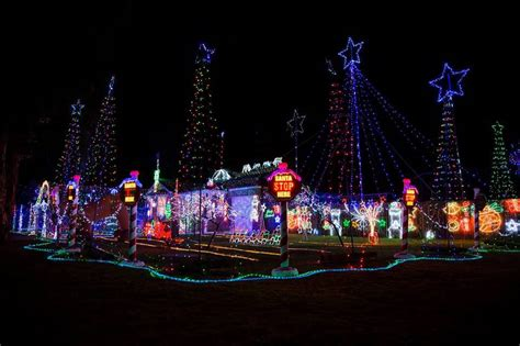 where to find macarthur s best christmas lights