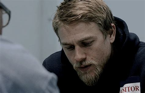sons of anarchy season 4 pics jax s new haircut and season 4 gif find share on giphy