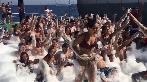 catamaran party boat bodrum mavi deniz teknesi bodrum k 246 p 252 k partisi 2016 youtube youtube