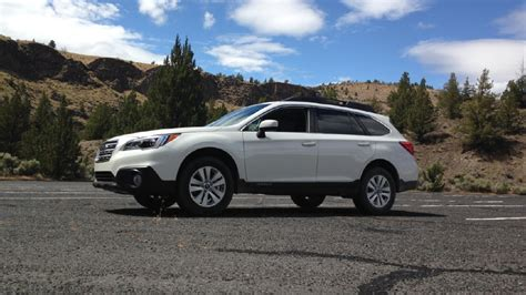 subaru outback road 2015 subaru outback look rugged elegance goes from