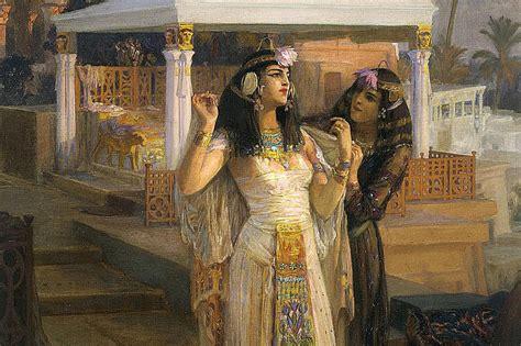 Recipe: Cleopatra Milk Bath Benefits Your Skin Will Love