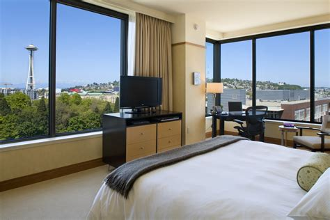 hotel rooms in seattle top 10 hotels with a view space needle news