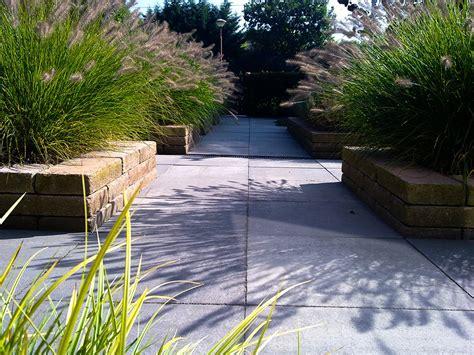 strakke tuin plantenbakken strakke 45 gradentuin met verhoogde bakken van jaarsveld