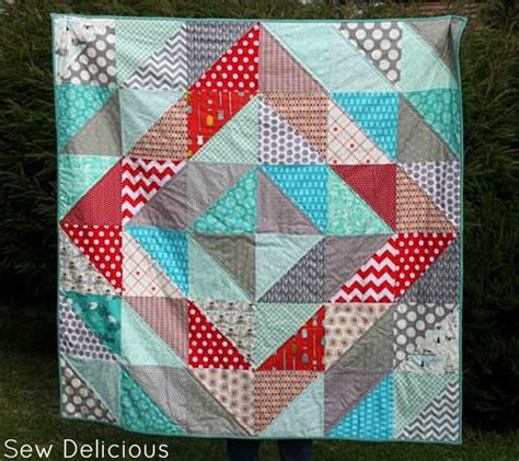 Red Diamond HST Pattern   FaveQuilts.com