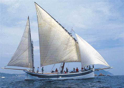 boat in latin excursi 243 n en un barco de vela latina costa brava mayo 2015