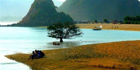 dinamika alam pantai seger lombok tengah kompas