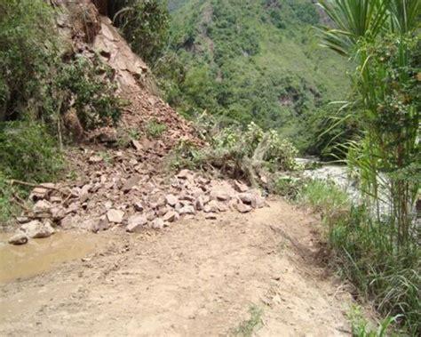 se registra derrumbe en la carretera ocoxaltepec ecatzingo en ocuituco zona centro noticias