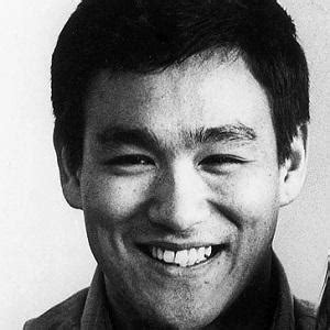 bruce lee biography channel bruce lee bio facts family famous birthdays