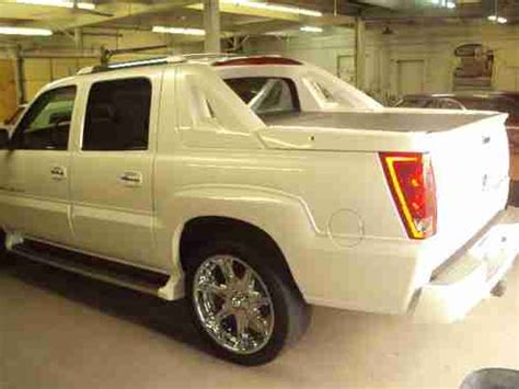 find used 2002 cadillac escalade ext escalade white cadillac ext truck low miles in miami find used 2002 cadillac escalade ext crew cab pickup 4 door 6 0l in waterloo iowa united states