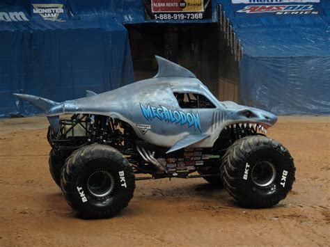 monster truck show washington dc megalodon driven by justin sipes monster jam triple thre