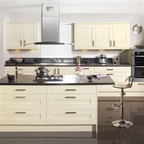 vanilla cream kitchen cabinets geneva kitchen from tesco budget kitchens 10 of the