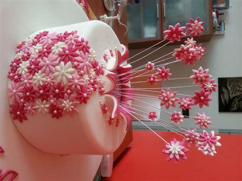 fiori in pasta di zucchero senza stini torta esplosione di fiori cuginette sul g 226 teau