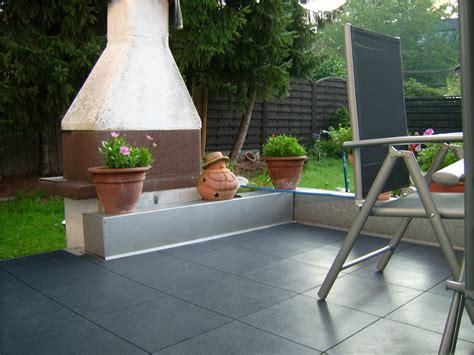 Terrassenbelag Aus Kunststoff by Neuer Terrassenbelag Vor Der Gartenlaube