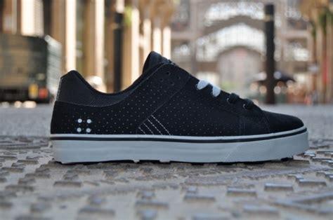 Sepatu Dc Steve Berra its official chris cole steve berra are on dc shoes