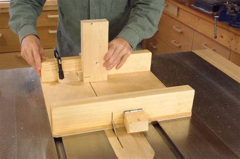 small bench saw building a small table saw sled