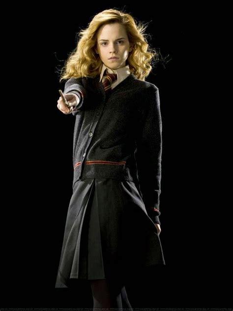 Hermione Granger Hogwarts by Hogwarts Alumni Hermione Granger Wand