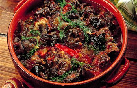 cucinare le lumache al sugo ricetta lumache al pomodoro le ricette de la cucina italiana