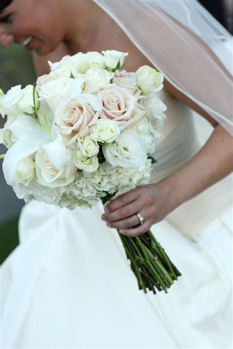 Winter Wedding Flowers Ideas simple roses   Winter Bridal